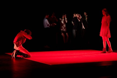 GONZOO - CARTE BLANCHE ESAD - Carte blanche dirigéeparJulien Moreau - – Texte –Riad Gahmi - Mise en scène: Julien Moreau - Avec des acteurs de la promotion 2017 : Maxime Atmani - Benjamin Bécasse Pannier - Marion Déjardin - Hugo Klein - Alex Mesnil- Morgane Vallée - Et les actrices de la promotion 2018 : Pauline Chabrol - Myriam Jarmache - Lieu : Le Tarmac - Ville : Paris - Le 03 01 2017 - Photo : Christophe RAYNAUD DE LAGE